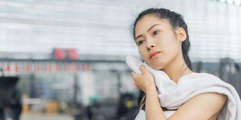 Skin, Beauty, Snapshot, Shoulder, Chin, Muscle, Arm, Joint, Leg, Human body,